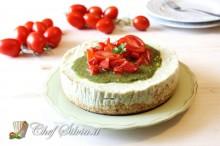 Cheesecake salato al pesto e pomodori