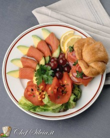 Insalata di salmone e avocado
