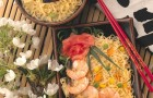 Noodles con gamberi e verdure