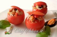 Pomodori ripieni ai frutti di mare