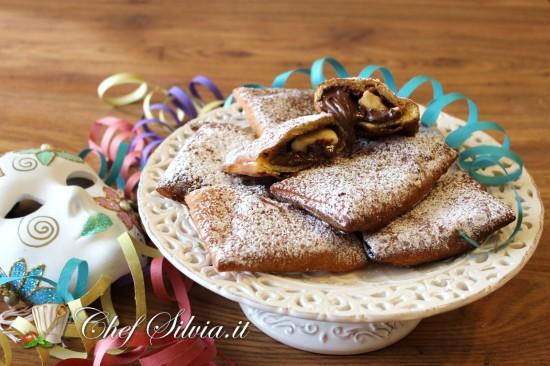 Ravioli dolci banane e cioccolato