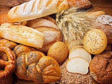 Zuppe con il pane raffermo: 6 ricette da provare