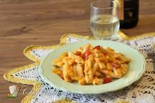 Caserecce con ragu' di baccalà e peperoni