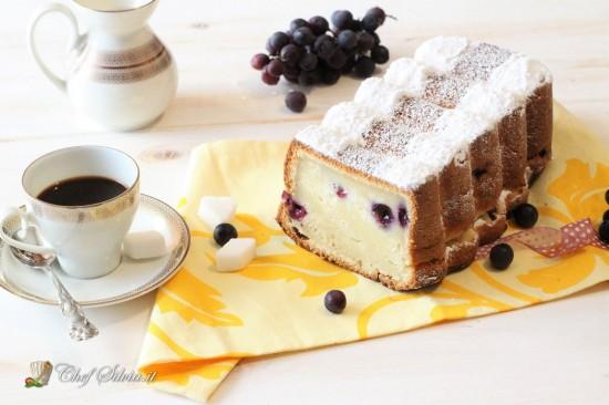 Plumcake con uva e mascarpone