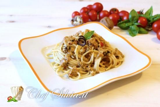 Spaghetti al pesto di melanzane