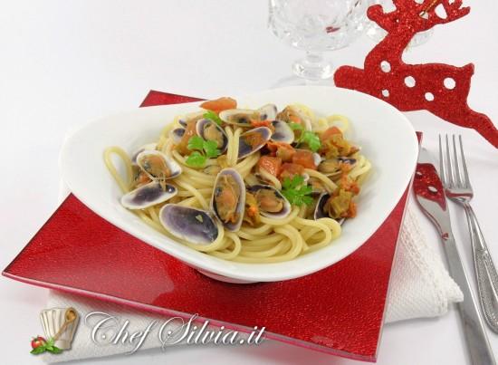 Spaghetti  con telline e fiori di zucca
